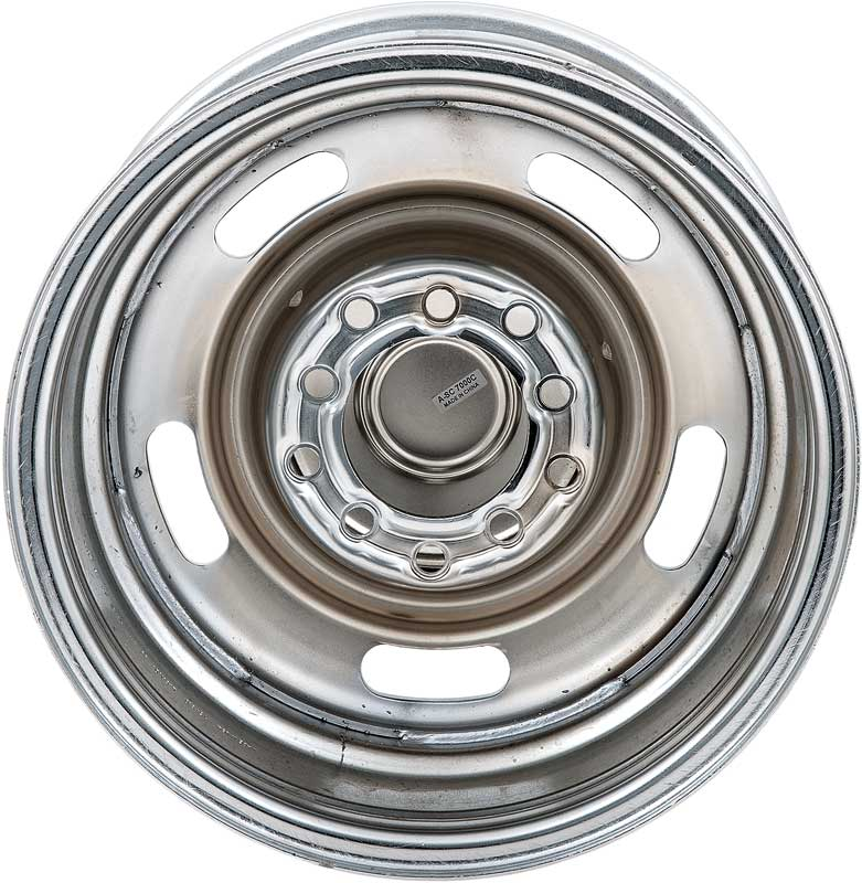 15 X 8 Chrome Rally Wheel With 5 X 5 / 5 X 5-1/2 Dual Bolt Pattern