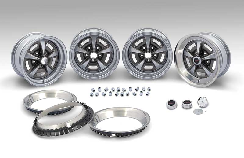 15 X 7 Rally II Wheel Kit With Black Center Caps